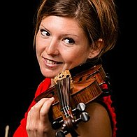 Solo violinist - Lizz Lipscombe Solo Musician