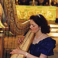 Stephanie - Harpist & Pianist Solo Musician