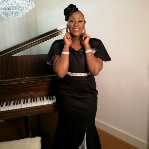 Jane Bossia Music - Singer , London, Venue , London,  Wedding Singer, London Gospel Singer, London Live Solo Singer, London Singing Pianist, London Soul Singer, London