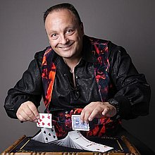 Nigel Francis Close Up Magician