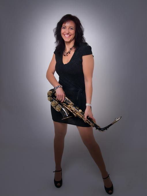Paula Borrell - Live music band Tribute Band Solo Musician  - Essex - Essex photo
