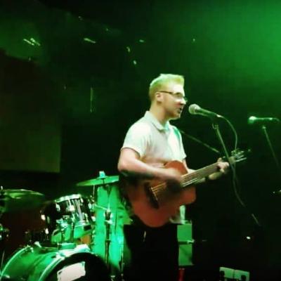 Jak Lewis Live Solo Singer