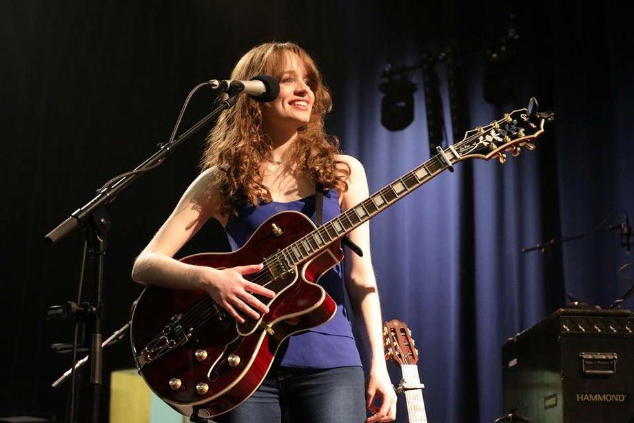 Sarah Munro - Solo Musician Singer  - St Albans - Hertfordshire photo