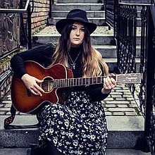 Isobel Thatcher - Singer & Guitarist Singing Guitarist