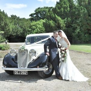 In Vogue Wedding Cars Transport