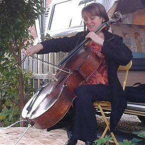 flamingcello Cellist
