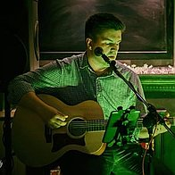 Dan Cooper Acoustic Singing Guitarist
