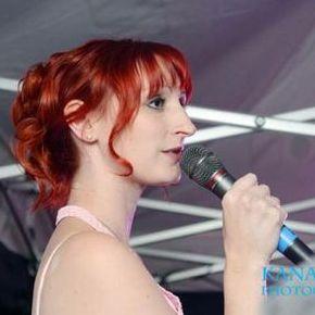 Tóra Wilson - Singer , Warwickshire,  Vintage Singer, Warwickshire Wedding Singer, Warwickshire Live Solo Singer, Warwickshire