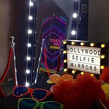 Hollywood Selfie Mirrors Event Equipment