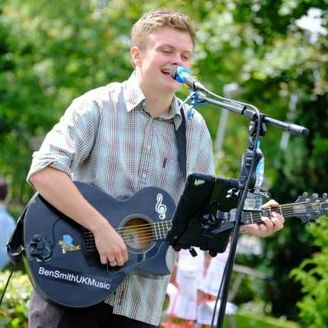 Ben Smith UK Music Singing Guitarist