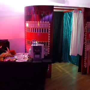 Glitz n Glamour Booths Photo or Video Services