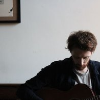 Simon H Singing Guitarist