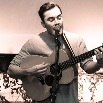 Liam Paul - Singer , Manchester, Solo Musician , Manchester,  Singing Guitarist, Manchester Wedding Singer, Manchester Live Solo Singer, Manchester