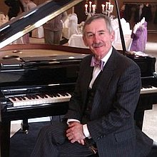 Peter Brown - Wedding & Party Pianist Solo Musician