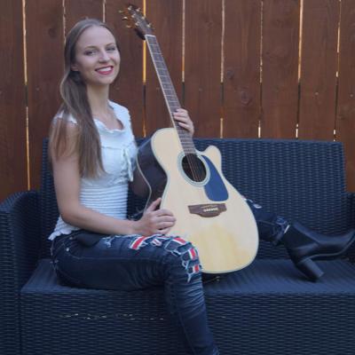 Rachel Makena Live Solo Singer