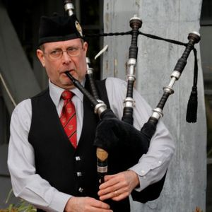 Michael Gordon Bagpiper