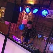 DT Entertainment Wedding DJ