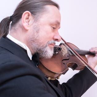 Arjays Violinist