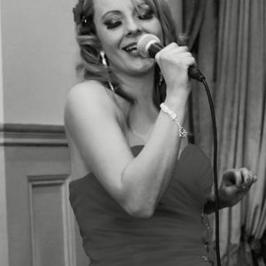 Laura/Highly recommended Jazz & Blues Singer/Duo/Trio - Live music band , Hampshire, Ensemble , Hampshire, Singer , Hampshire,  Function & Wedding Band, Hampshire Vintage Singer, Hampshire Wedding Singer, Hampshire Jazz Band, Hampshire Swing Band, Hampshire Jazz Singer, Hampshire Acoustic Band, Hampshire Vintage Band, Hampshire Live Music Duo, Hampshire Blues Band, Hampshire Festival Style Band, Hampshire