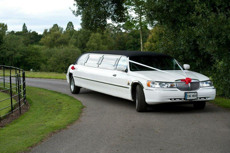 Chevron Limousines - Wedding car Beccles , Suffolk