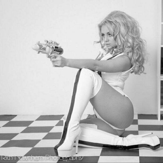 Agent Burlieque - Dance Act Circus Entertainment  - London - Greater London photo
