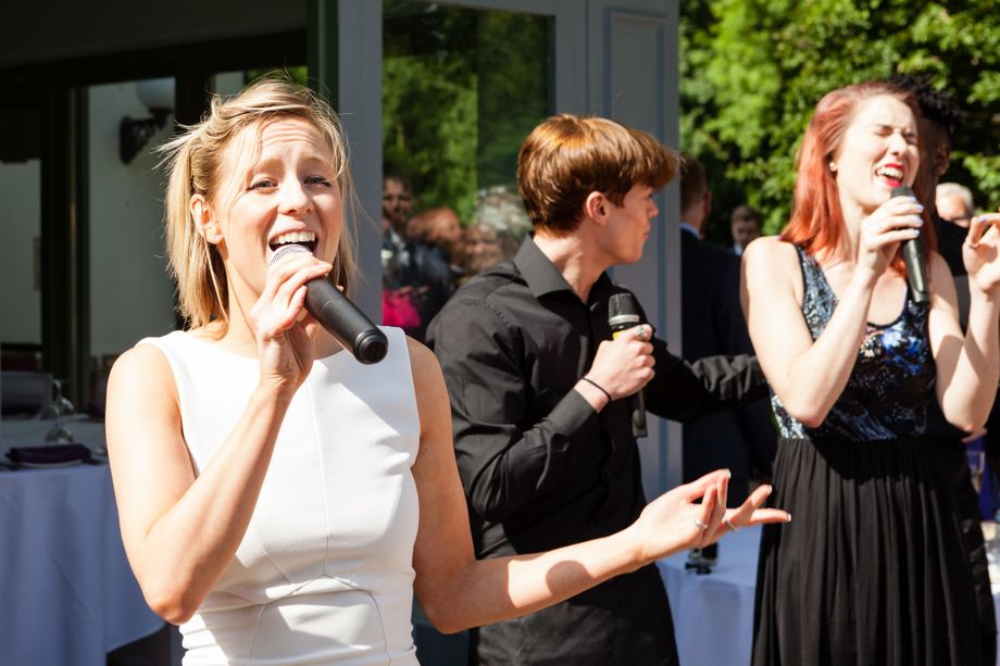 Pitch Perfect Singing Waiters - Singer  - London - Greater London photo