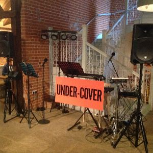 Under-Cover - Live music band , Suffolk,  Function & Wedding Band, Suffolk Acoustic Band, Suffolk Live Music Duo, Suffolk