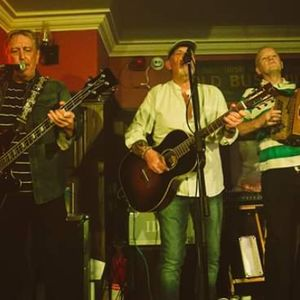 Paddicraic (Pogues Tribute Band) World Music Band