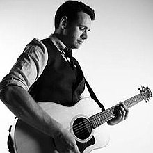 Steven Heath - Acoustic wedding singer and DJ Guitarist