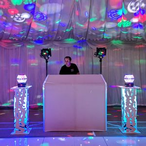 Peachey's Events & Photography Wedding DJ