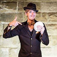 Chris Cross Entertainment Wedding Magician