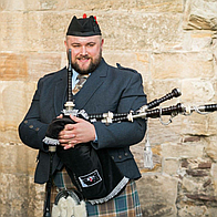 Dean Saunders Piper Solo Musician