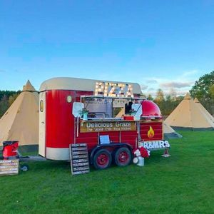 DeliciousGraze Streetfood - Catering , Brighton,  Pizza Van, Brighton Food Van, Brighton Mobile Caterer, Brighton Street Food Catering, Brighton