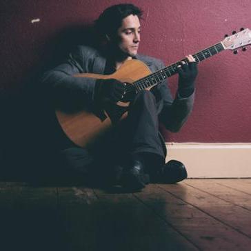 Oliver Guitarist