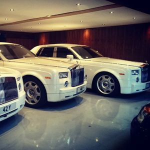 Phantom Hire Limousine