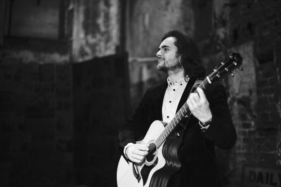 Gordon Robertson - Solo Musician Tribute Band Singer  - Grangemouth - Stirlingshire photo