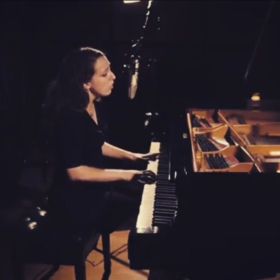 Elaine James Singing Pianist