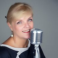 Anna Nightingale Rat Pack & Swing Singer