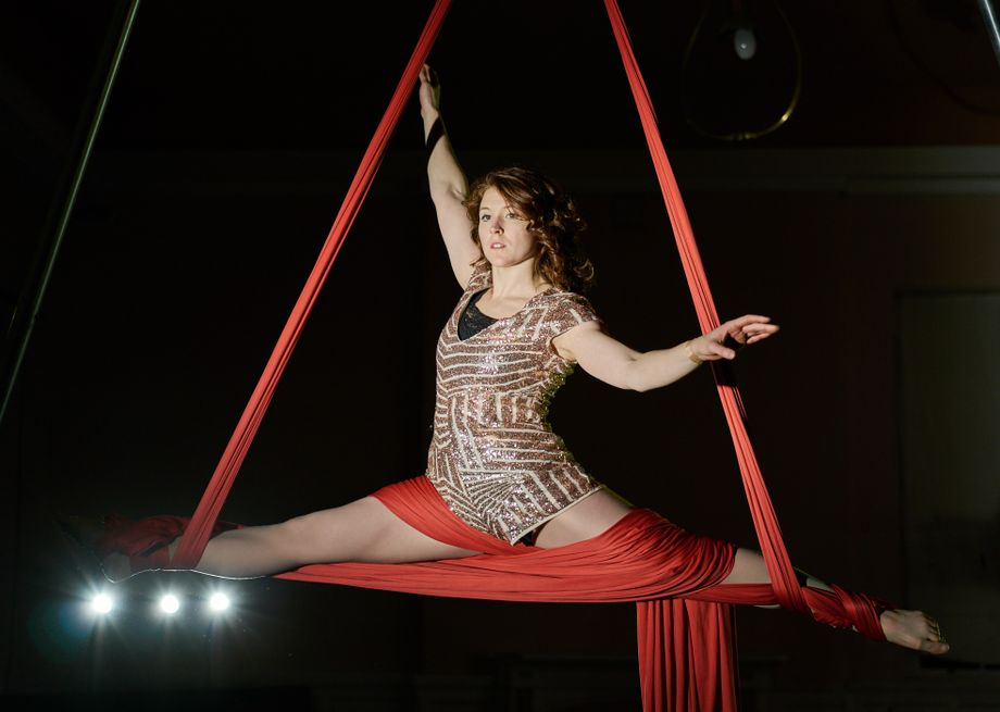 TurnAround Dance Theatre - Dance Act Circus Entertainment  - Lancaster - Lancashire photo