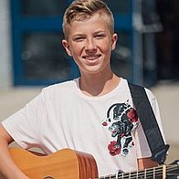 Harry Romer, The Voice Kids 2018, Singer Guitarist, Singer, pop music, solo music, dance along music, Soul Singer