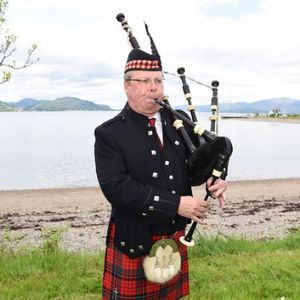 Gus the Piper Bagpiper
