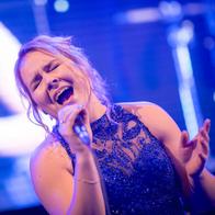 Klara Brozova Singing Guitarist