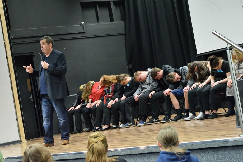 Ian Dee Comedy Hypnotist - Magician Comedian  - Coventry - West Midlands photo