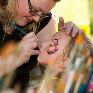 Face Fantastic - Children Entertainment , Manchester, Event Decorator , Manchester,  Balloon Twister, Manchester Face Painter, Manchester