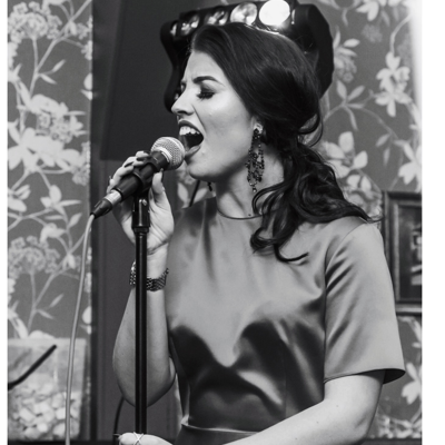 Emma Mawdsley - Singer Rat Pack & Swing Singer