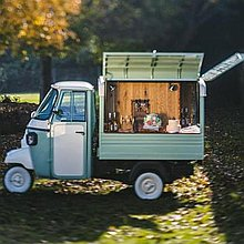 Bubbles and Bakes Food Van
