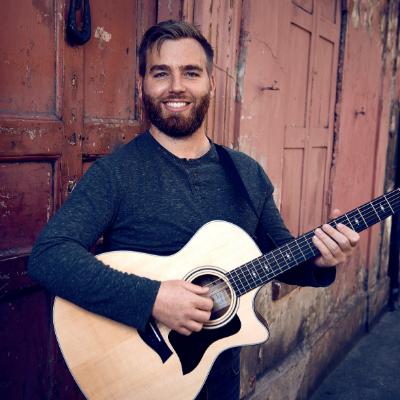 Sam Henry Classical Guitarist
