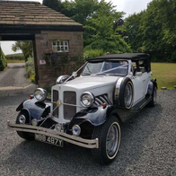 Candeo Wedding Carriages Vintage & Classic Wedding Car