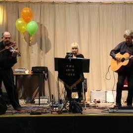 Two Left Feet - Live music band , Wirral, World Music Band , Wirral,  Ceilidh Band, Wirral Barn Dance Band, Wirral