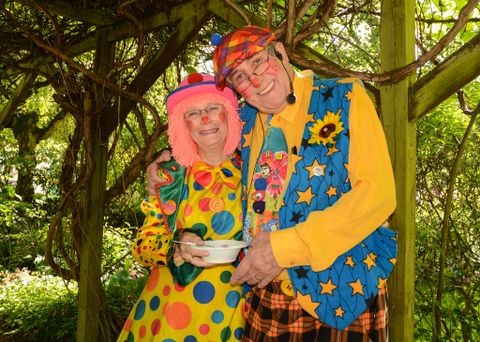 Grandaddy & Nanny Trumbell - Magician , Blackpool, Children Entertainment , Blackpool,  Children's Magician, Blackpool Balloon Twister, Blackpool Clown, Blackpool Children's Music, Blackpool
